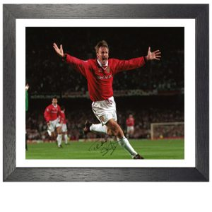 Teddy Sheringham Framed Signed Photo